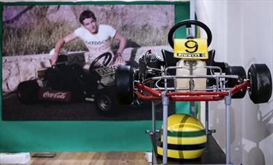 200 cimeli per raccontare Ayrton Senna