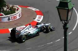 Schumi in pole, ma retrocesso - Schumacher