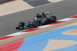 Bahrain, Hamilton in pole