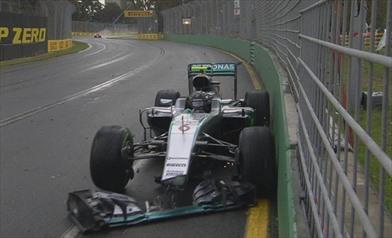 Rosberg chiede scusa per l'incidente ed Hamilton scalpita