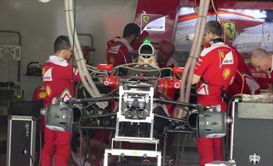La Ferrari SF16-H con entrambi i copridisco forati