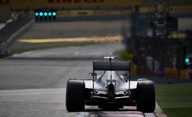 Mercedes: il motore rotto come parti di ricambio