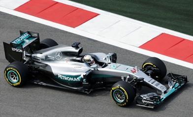 Rimandata a Barcellona la nuova ala Mercedes