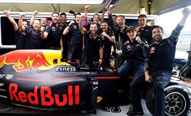 Verstappen: Hamilton lo teme e Riccardo lo rispetta