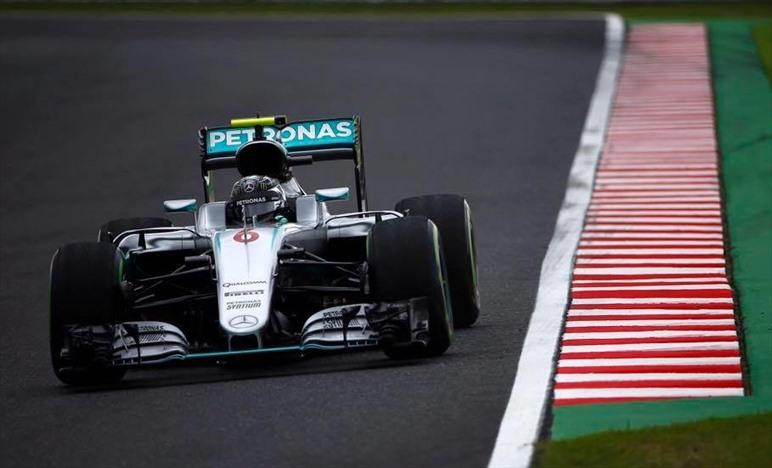 Mercedes presenta reclamo per manovra pericolosa di Verstappen