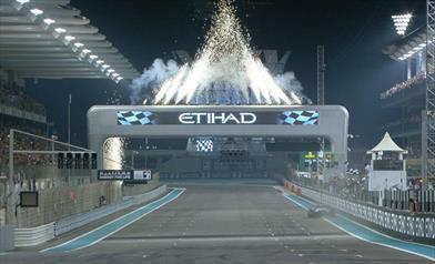 Abu Dhabi: Vince Hamilton davanti a Verstappen e Leclerc