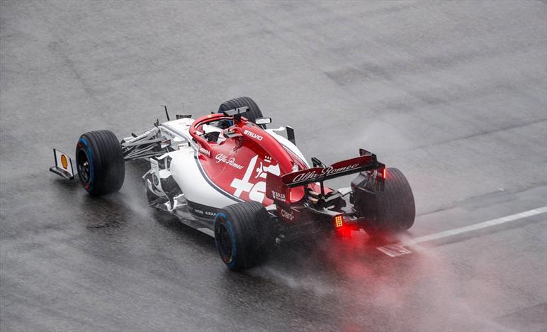 Alfa Romeo penalizzate, Hamilton va a punti