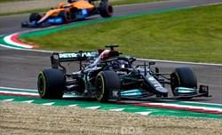 Come la Mercedes ha risolto i suoi problemi sulla W12