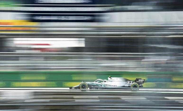 F1, Mercedes vola, Ferrari bene a metà ma occhio alla Red Bull
