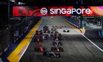 Ferrari, ahi ahi ahi a Singapore, Hamilton ringrazia e allunga  - Ferrari, ahi ahi ahi a Singapore, Hamilton ringrazia e allunga