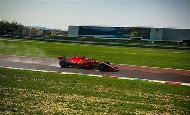 Ferrari, Giovinazzi e Kvyat in pista a Fiorano
