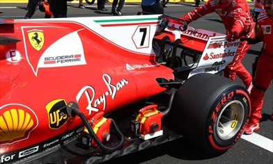 Gp Belgio: sul fondo Ferrari via lo slot a J e dentro il ricciolo in stile Mercedes