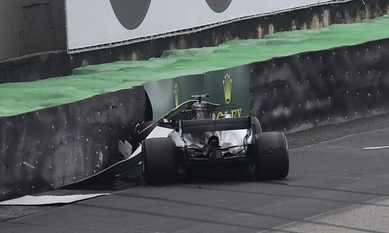 Gp Brasile: Hamilton partirà dalla pit-lane per la sostituzione della Power Unit/