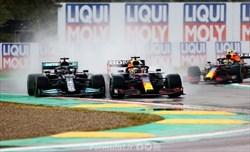 Gp Emilia Romagna - Vince Verstappen, Hamilton sbaglia ma si salva con talento e fortuna