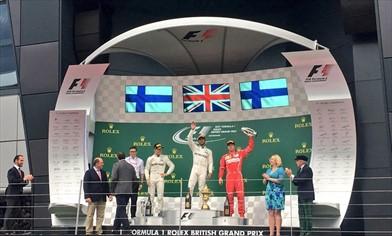 Gp Gran Bretagna: domina Hamilton, doppietta Mercedes