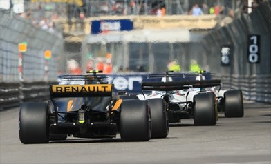 Gp Monaco: RENAULT RS17 con la T-Wing in stile Force India