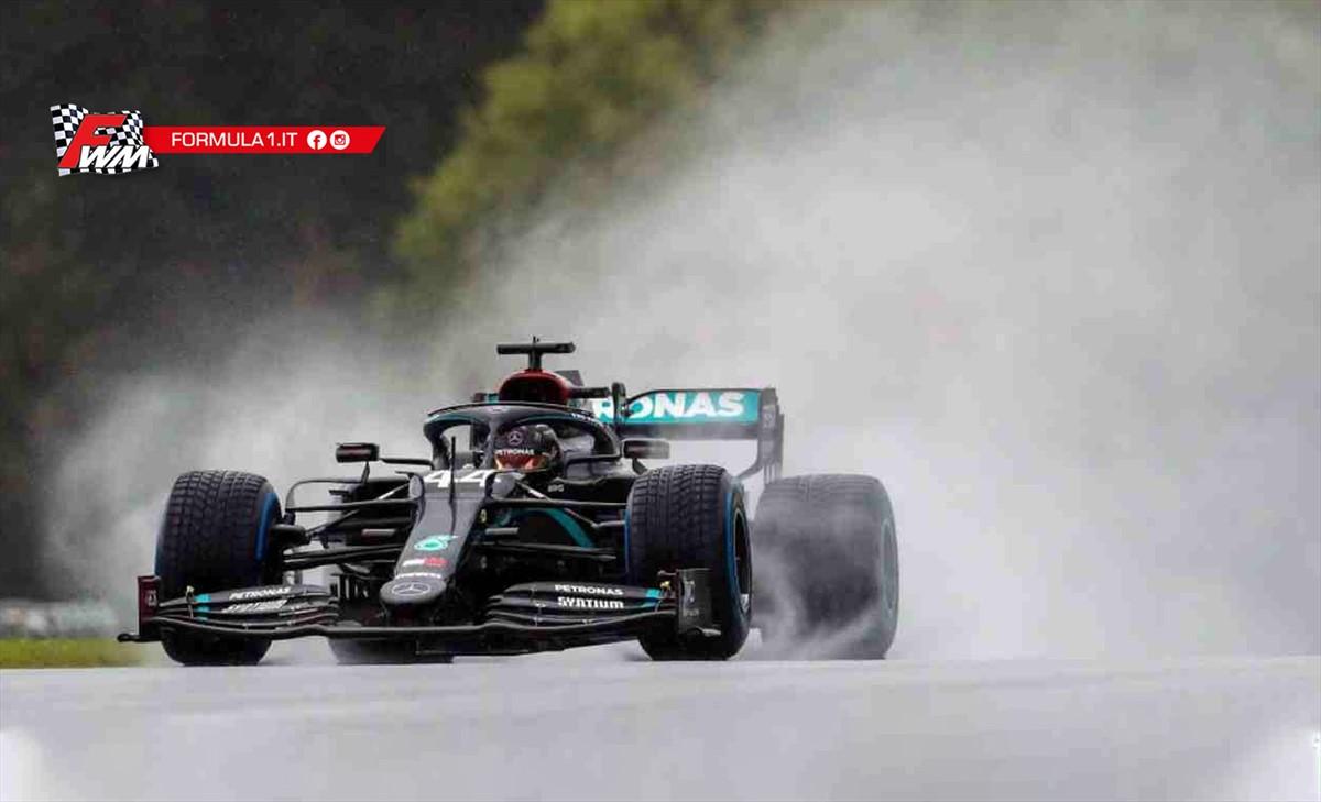 GP Stiria, qualifiche: Hamilton è il re dell'acqua, Ferrari sommersa