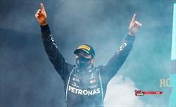 Hamilton con Mercedes per un'altra stagione. E' ufficiale.