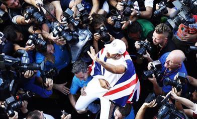 Hamilton è campione mentre la Mercedes affonda, Verstappen vince, Ferrari rinasce