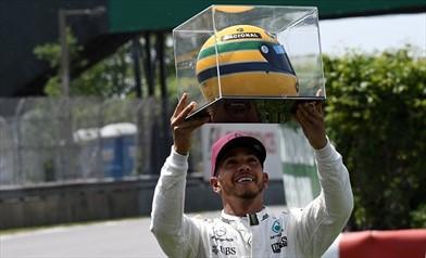 Hamilton: il casco di Ayrton è una replica ma...