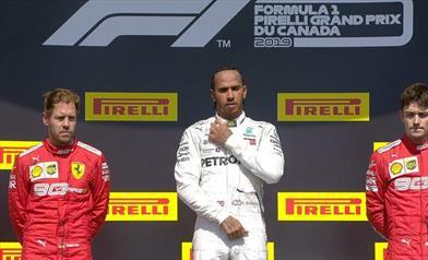 Hamilton vince di penalità in Canada