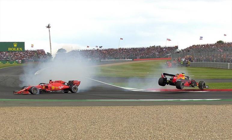 Hamilton vince il Gp di casa, Vettel fuori sync