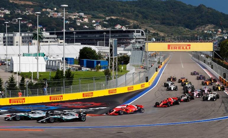 Hamilton vince in Russia, male Mercedes con Bottas, Ferrari di più non si può