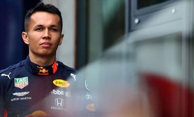 Il venerdì in Belgio: Lavoro differenziato per Albon, Verstappen sorpreso dalla Ferrari