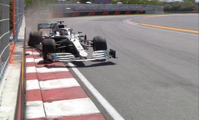 Il venerdì Mercedes: Hamilton a muro nel pomeriggio, Bottas porta a termine il lavoro