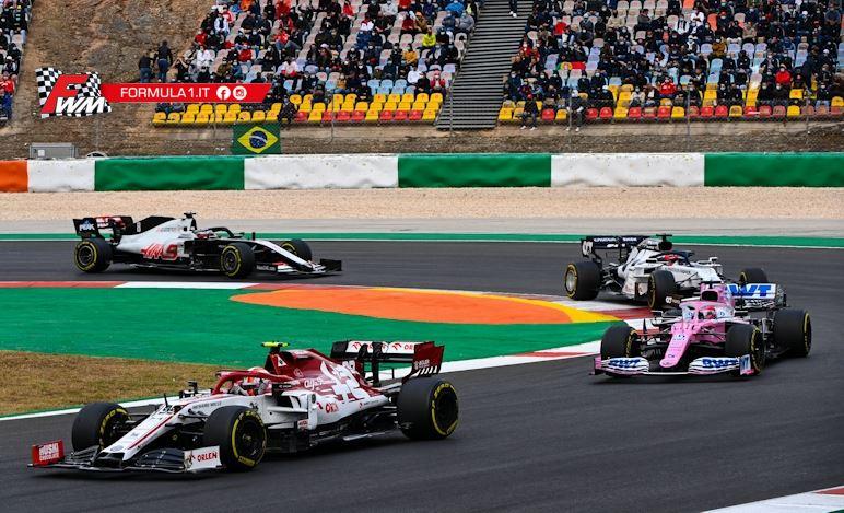 L'Alfa Romeo non porta a casa punti ma i primi giri di Kimi sono stati incredibili