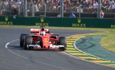 La Ferrari ha cambiato marcia, ora la Mercedes trema