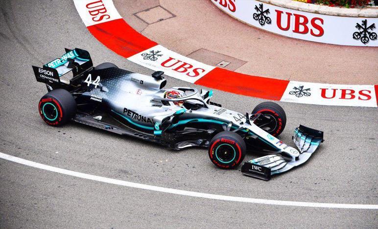 Le Mercedes volano nelle libere: Hamilton e Bottas non potevano chiedere auto migliore