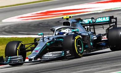 Mercedes: Bottas entusiasta del feeling con la vettura, Hamilton meno