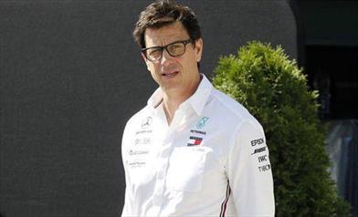 Mercedes fa un passo indietro, condannato il Gp di Germania