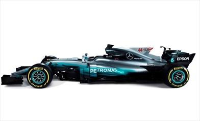 Nuove regole: Mercedes presenta la nuova livrea