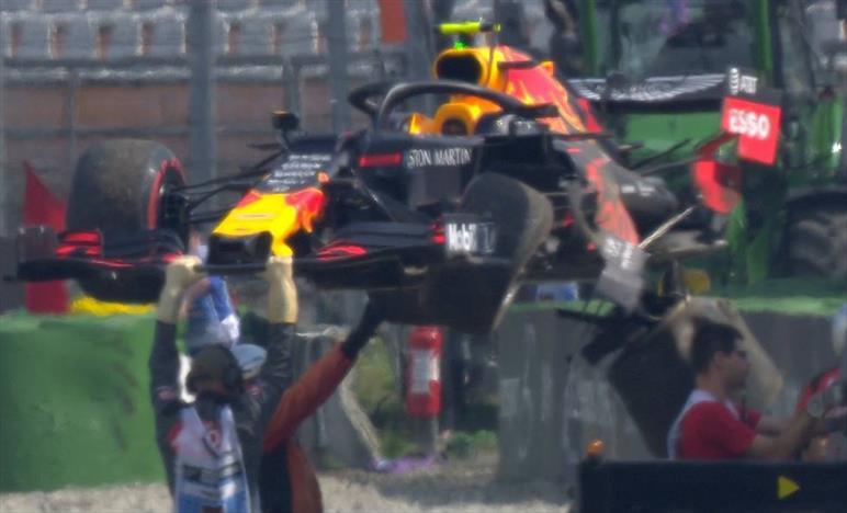 Problemini con la Power Unit per Red Bull... Gasly a muro nelle FP2