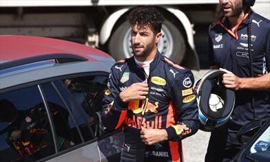 Red Bull: penalità per Ricciardo e Verstappen