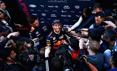 Ricciardo: noi possiamo migliorare spero che Williams no