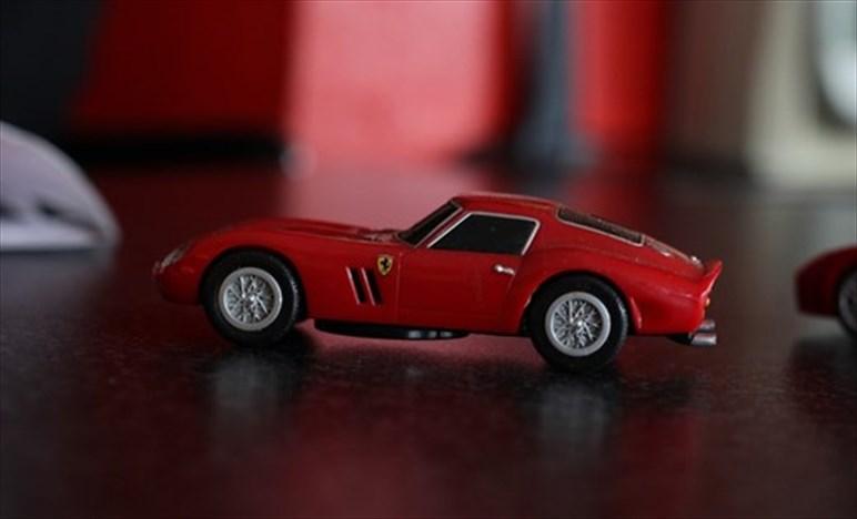 Rosso Ferrari - Perché se pensiamo ad una Ferrari la immaginiamo rossa?