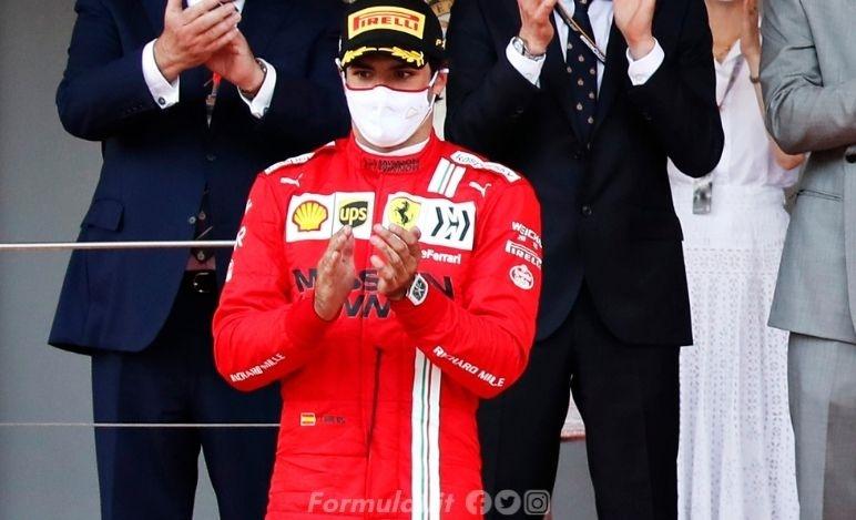 Sainz sbotta: Io come Barrichello? No, sono alla pari di Charles. Sull'addio alla McLaren...