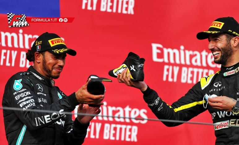 Secondo podio nel 2020, ed Hamilton beve dalla scarpa di Ricciardo