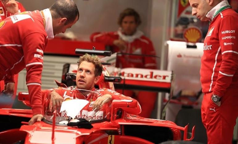 Silverstone: Ferrari con la vecchia ala anteriore ed il fondo chiuso