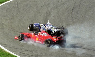 Foto https://www.motorsportmagazine.com/articles/single-seaters/f1/michael-schumachers-moment-of-madness-at-jerez-1997