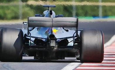 TEST UNGHERIA - MERCEDES W09: nuova ala posteriore con doppio supporto in stile Ferrari?