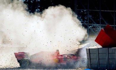 Un cerchione danneggiato provoca l'uscita di pista della Ferrari SF90 di Sebastian Vettel