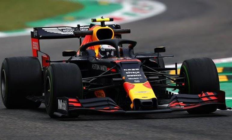 Venerdì a Monza: Verstappen spera nella pioggia, test aerodinamici con il nuovo casco per Albon
