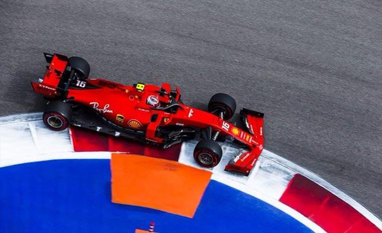 Venerdì in Russia: Leclerc soddisfatto del passo gara, meno del bilanciamento per la qualifica