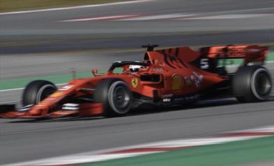 Vettel fuori pista con la Ferrari SF90