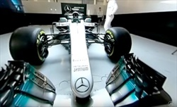 Video: F1 Reveal - La nuova Mercedes W08 EQ Power+
