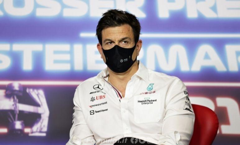 Wolff: La F1 non può cambiare il formato dei week-end con idee confuse